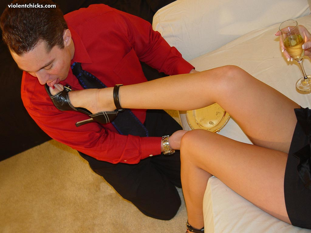 Preview from a femdom site