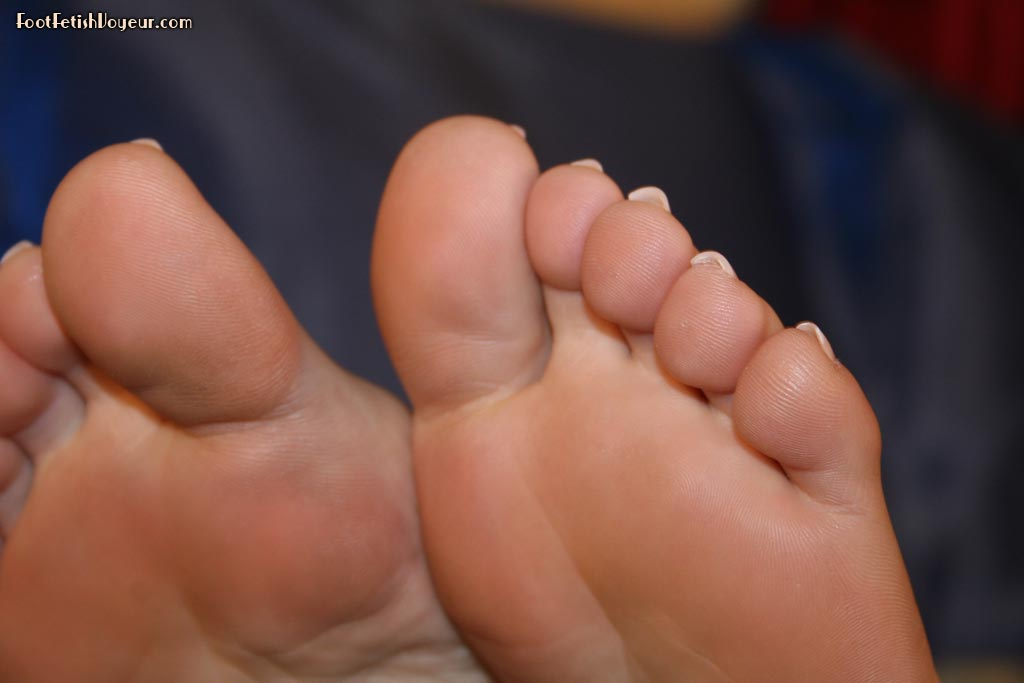 Foot fetish with sexy smooth soles