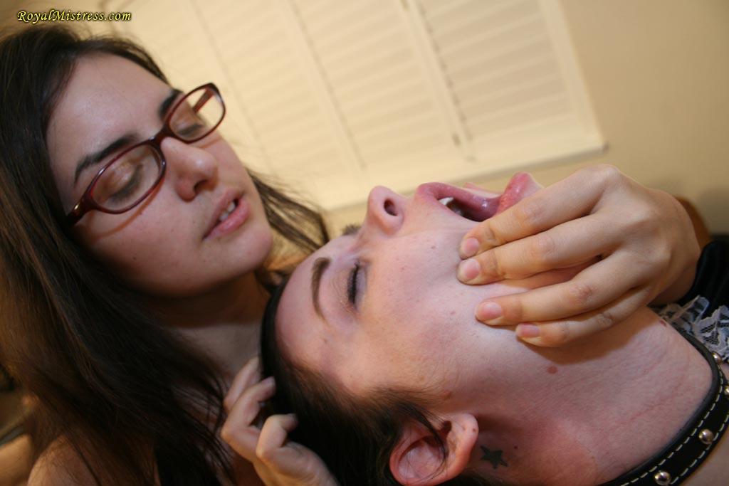 Slave adoringly worships the feet of his Mistress