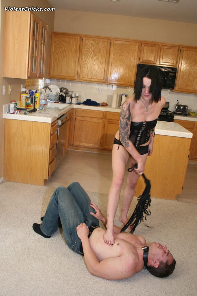 Foot slave and his Mistress
