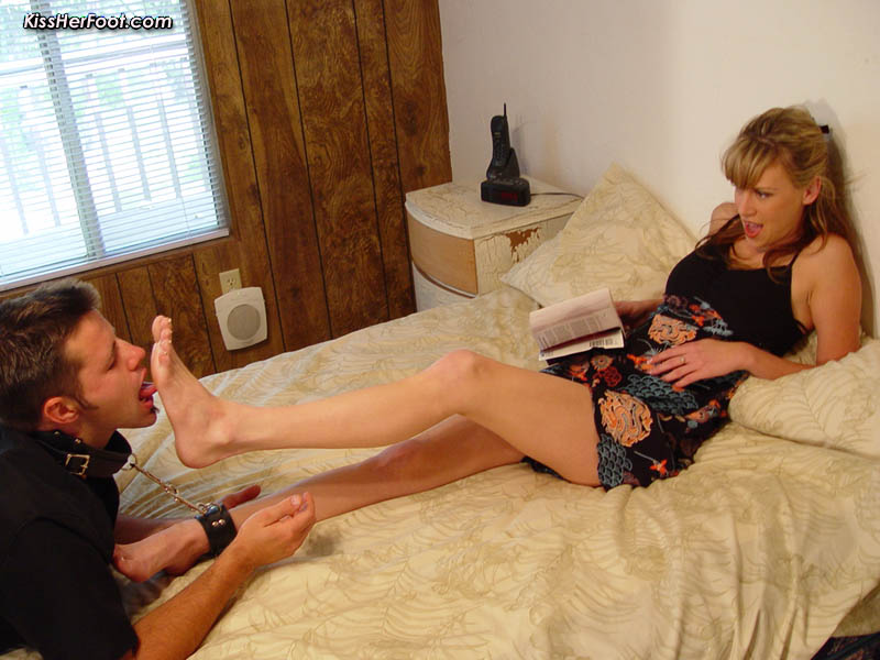 Feet slave and the Mistress